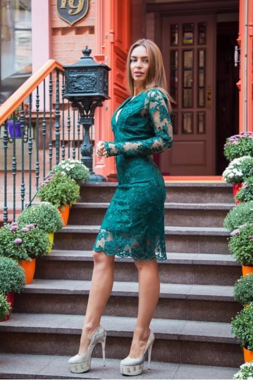 be46d4a4759 Роскошное вечернее платье из дорогого кружева  купить оптом в ...